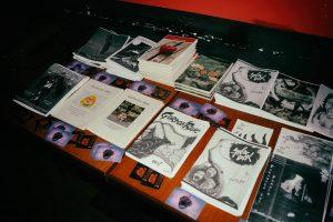 larva fanzin masası3